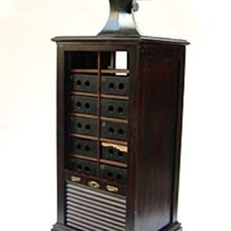6 x 13 cm Gaumont Stereoviewer with original cabinet.