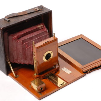 Very Pretty Red Bellows Plate Camera