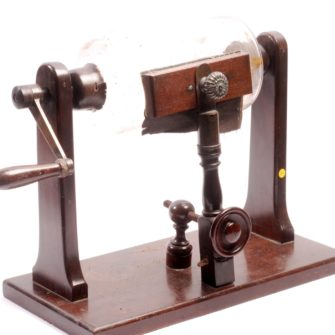Machine électrostatique de Nairne