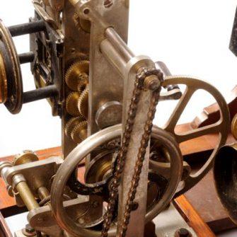 Projecteur de type Grimoin Sanson commercialisé par Demaria. 1907.