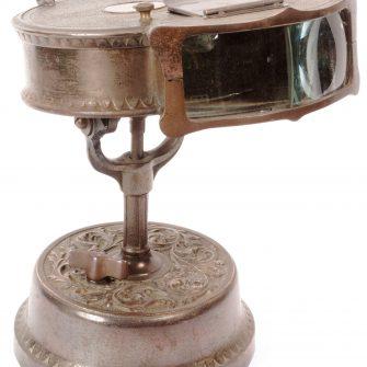 Kinora double à mécanisme d'horlogerie.