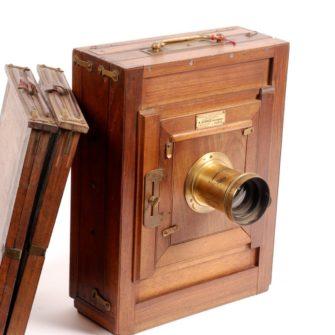 Chambre photographique époque collodion.