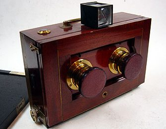 Stereo tourist camera
