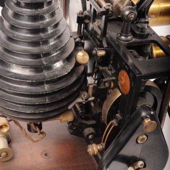 Projecteur PATHÉ  type N.A.U.