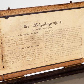 LE  MÉGALOGRAPHE