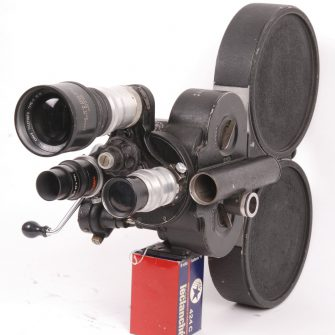 Camera Bell & Howell Eyemo 35mm. Signals corps US Army.