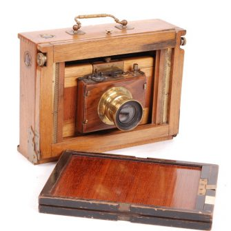 Front folding 13 x 18 wooden camera