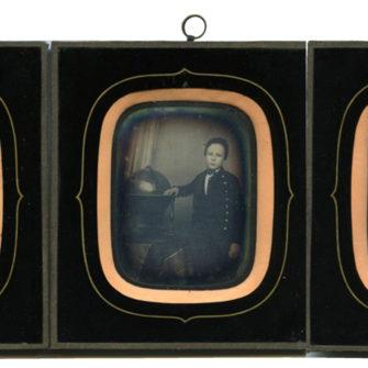 Trois daguerréotypes, frères et soeur
