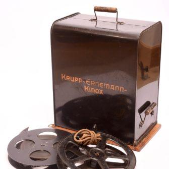 Projecteur cinématographique 35 mm  Kinox II Krupp-Ernemann