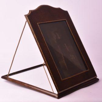 Autochrome FEMINA dans son  cadre réflecteur 18×24