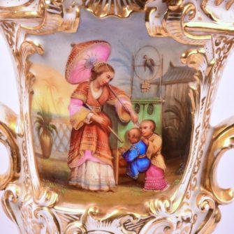 Paire de vases Charles X à décor de boite optique, époque Restauration