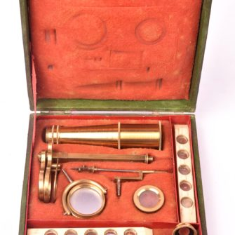 Microscope de naturaliste type Cary – Gould