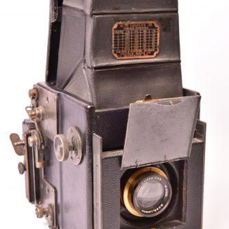 Appareil photographique réflex Auto-Graflex Junior 2 ¼  x 3 ¼