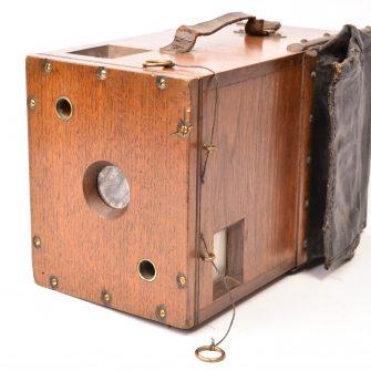 Appareil photographique détective en bois