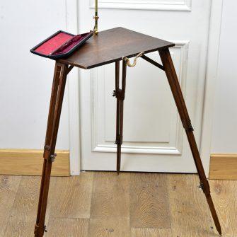 Camera lucida avec table signée Berville.