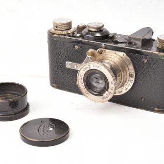 Appareil photo Leica I noir, objectif Elmar f/3.5 – 50mm.