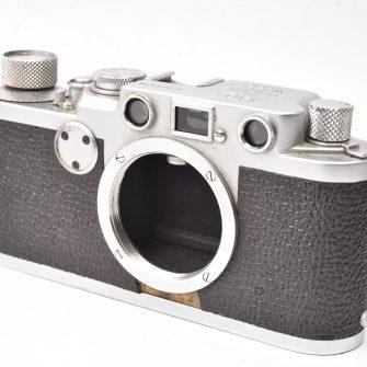 Appareil photo Leica IIf. Boitier seul. Circa 1953.