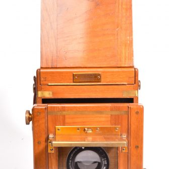 A London stereoscopic C° tropical improved artist reflex camera