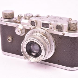 Appareil photo Leica IIIa, objectif Summaron f/3.5 – 35mm.