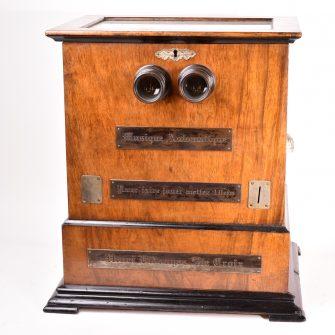 Henri Vidougez. Stéréoscope à musique automatique.