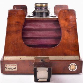DARLOT Chambre photographique 13×18 à ailettes