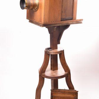 Chambre photographique à tiroir époque collodion humide.