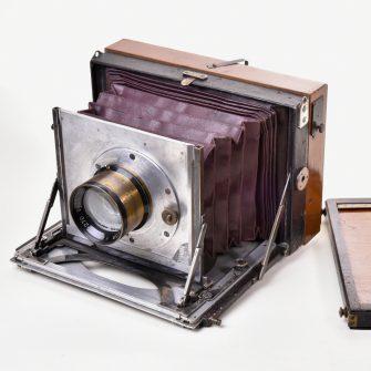 Chambre photographique métallique extra-plate Gillon
