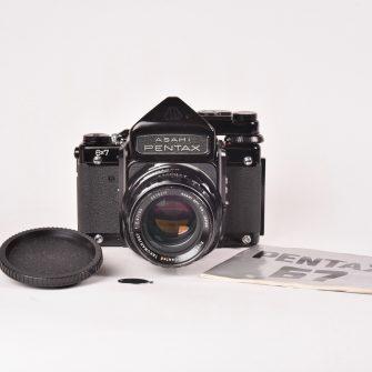 Appareil photo Pentax 6X7 avec objectif Takumar / 6×7 f/2.4 – 105mm.