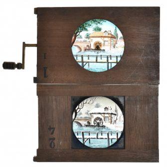 Paire de plaque pour lanterne magique, Moulin à eau en été et en hiver (x2)